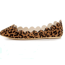 Leopard Print Scalloped Pointed Flat Shoes